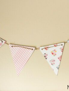 free diy paper pennant banner w free template  mommy suite mini pennant banner template pdf